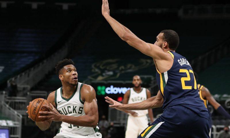 Giannis Antetokounmpo sits vs. Cavaliers with back spasms