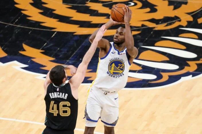 Wiggins, con 40 puntos, hace olvidar la derrota de Curry